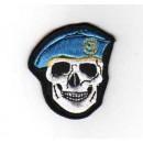 Nášivka Lebka z baretem - světle modrá